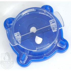 Magnifying pill cutter - safe and easy to use - green